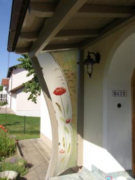 Glasmalerei Sattler - Windfang aus Glas - Privathaus, individuell gestaltet mit gemaltem Motiv