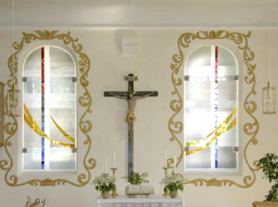 aufklappbare Glasgestaltung, Kirche in Ederheim, Entwurf und Ausführung: Katrin Engel-Meyer
