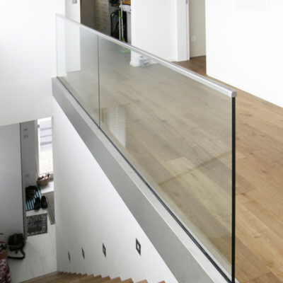 Absturzsicherung aus Glas, Geländer aus Glas, Ausführung: Glasmalerei Sattler