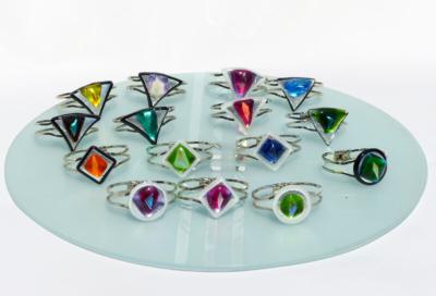 Glasmalerei Sattler - Armreifen in verschiedenen Farben, Glasverschmelzung