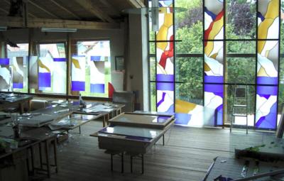 Glasmalerei Sattler - Fenstergestaltung vorm Einbau, Blick ins Atelier