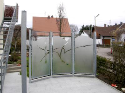 Glasmalerei Sattler - Sichtschutz aus Glas, 3-teilig, individuell gestaltet, Sandstrahlung