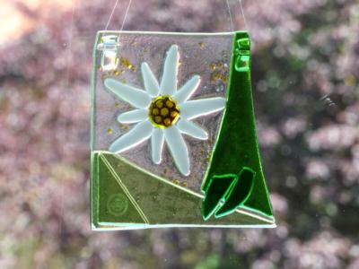 Glasmalerei Sattler - Vereinspreis Gauschützen, geschmolzenes Glas mit Edelweiß