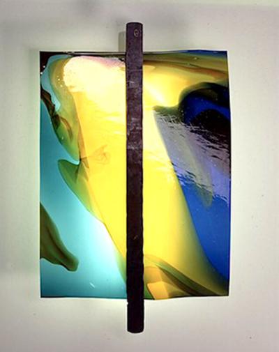 Glasmalerei Sattler - Moderne Glasleuchten - Die Vier, mundgeblasene Glasscheibe in speziell zusammengestellten Farben mit geschmiedeten Metall als Halterung