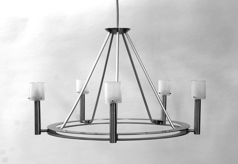 Glasmalerei Sattler - Moderne Leuchte aus Glas, schlichte Eleganz, runde Form mit fünf Lichtquellen, zeitlos
